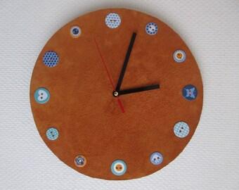 Pendulum orange leather.