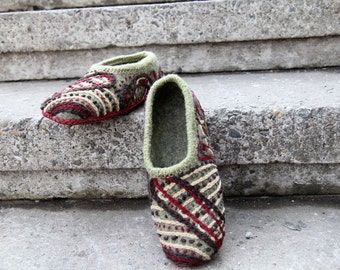 """Warm embroidered hand felted slippers in gray - """"Looking for warmth..."""""""