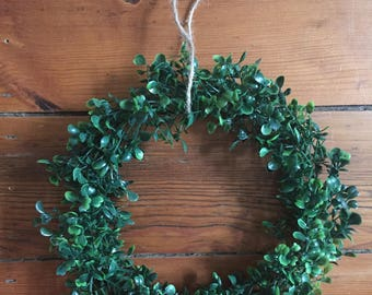 "10"" Faux Boxwood Wreath"