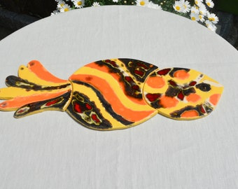 "bottom of flat fish puzzle ""Blowfish"" glazed earthenware, orange, red, yellow, black"