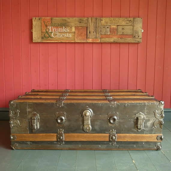 VINTAGE INDUSTRIAL TRUNK Coffee Table Steamer Trunk Storage Chest Metal Aviation Furniture