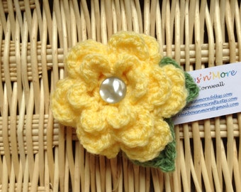 Hand Crocheted Flower Brooch Corsage
