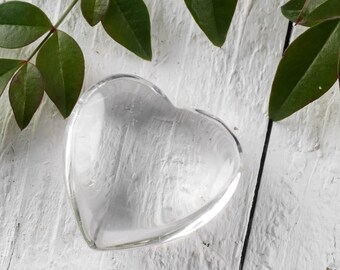 One Small CLEAR QUARTZ Crystal Heart Shaped Stone - Heart Stone, Heart Rock, Clear Quartz Jewelry, Polished Stone, Heart Chakra Stone E0243