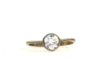 Vintage Sparkling Round Crystal Ring 925 Sterling Silver RG 2388