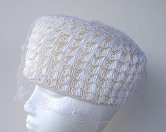 Vintage 60s Pillbox Hat with Veil . costume hat . netting as is