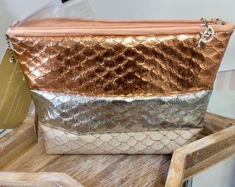 Make up bag, Tote, clutch, faux leather mains/femme/accesoire/unique/personnalisation/etsy.com/your/shops/Feemains24