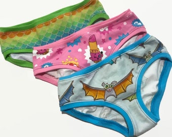 Mystery 3 pack Girls Hipster Underwear Sizes 1/2 - 14
