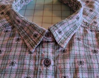 Women's pink beige woven butterfly plaid shirt front bib