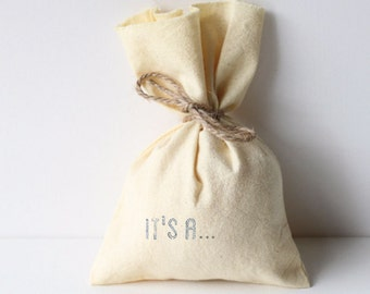 It's a...? 10 x coloured printed GENDER REVEAL/ gender NEUTRAL baby shower favour bags