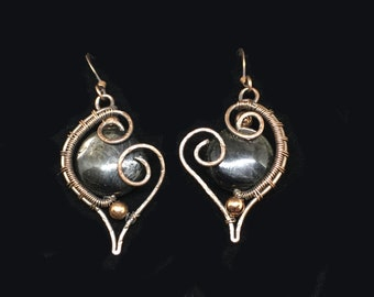 Hypersthene earrings in oxidized silver to open to assistance from the universe