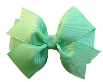4 inch mint green pinwheel boutique bow