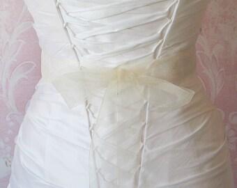 Ivory Organza Ribbon, 1.5 Inch Wde, Ribbon Sash, Bridal Sash, Wedding Belt, 4 Yards