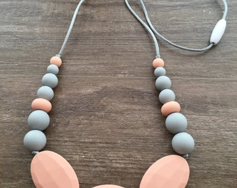 Silicone Mom Teething Necklace - Peach & Gray - Nursing Necklace - Teething Baby - Chewelry - Baby shower Gift