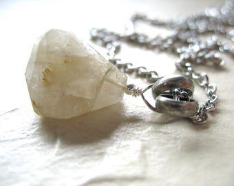 Collier en cristal Quartz rutile, Quartz rutile à facettes Pierre pendentif pierres précieuses, bijoux artisanaux, collier pendentif collier