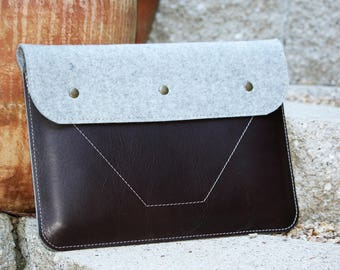 MacBook sleeve - genuine Leather and wool felt - made in USA - 010080