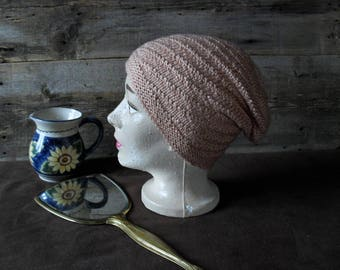 Wool or drooping, made slouch hat.