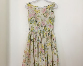 Handmade 50s Style Flowered Dress with Full Skirt Size Small