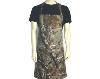 Camouflage Apron for Men ,  Advantage Realtree / Professional Chef Apron with Camo / Camo Apron with pocket / Adjustable Camouflage Apron