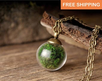 Moss necklace, birthday gift for women, terrarium necklace, nature necklace, tiny necklace, green necklace, moss jewelry, gift for her