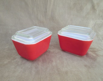 Vintage Pyrex Refrigerator Dishes w/lids, Set of two Red Dishes