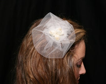 Ivory tulle bridal headpiece