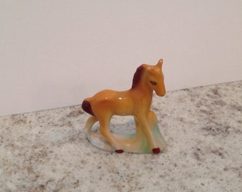 Horse ornament collectible/miniature collectible/palamino horse/China horse ornament/house decor/China pony/horse lover/vintage ornament