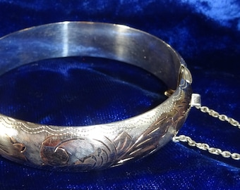 Vintage 925 Sterling Silver Bracelet etched Hinged Cuff Bracelet with Safty Chain