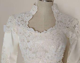 Vintage 1970s Long sleeve High Sweetheart Neck wedding dress V-015