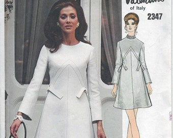 ON SALE Vintage 1970s MOD High Fitting A Line Dress Vogue Couturier Design 2347 Valentino of Italy Designer Sewing Pattern Sz 14 B36 + Sew i