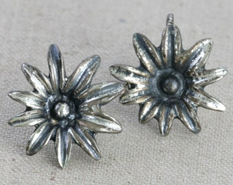Vintage Sterling Silver Flower Screw Back Earrings // Fruitsdesbois Jewelry // MidCentury