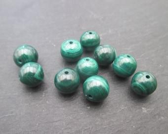 Malachite: 3 round beads 8 mm