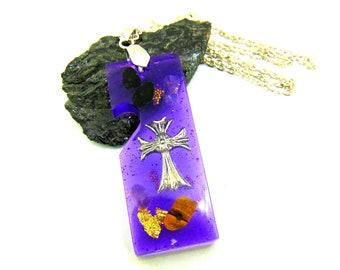 Pendentif violet Croix et améthyste