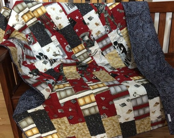 Handmade Quilt - Throw Quilt - Lap Quilt - Theater - Hollywood - Retro - 1920' - Red - Gold - Silver - Homemade - Cotton