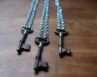 Vintage Skeleton Key Necklace with Aqua Aluminum Chain