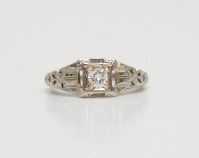 Antique Art Deco 18K White Gold Diamond Ring - Size 5