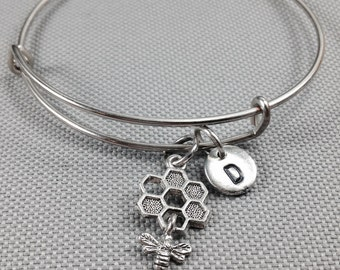 Bee charm bangle bracelet, bee bracelet, personalized bracelet, honey comb bracelet, initial bracelet, bee jewelry, bangle bracelet