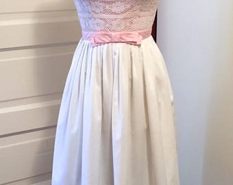 Vintage 1950s Pink & White Lace Bodice w Bow Party Dress