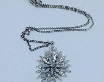 Necklace floral starburst pendant in white metal