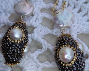 Earrings with micro crystals and pearls
