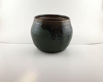 Modern stoneware planter pot