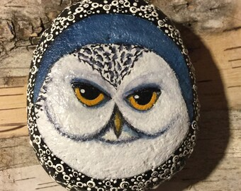 Snowy Owl Bird Painting, Painted Stone, Painted Rock, Unique Gift, Nature Art, Gift for Dad, Birder Gift, Paperweight, Desk Ornament