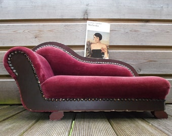 Ordinaire Small Stylized Velvet Sofa, For Doll Or Small Animal Seat, Chaise Lounge,  Ottoman Seat, Upholstered Armchair Velvet Red Bordeaux