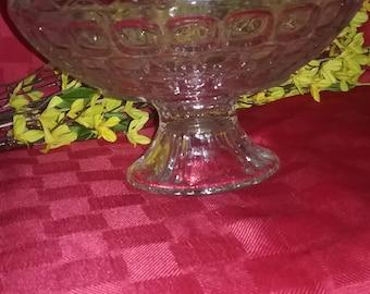 Glass fruit bowl, Vintage center piece , Scallop Edges, Pedestal Bowl