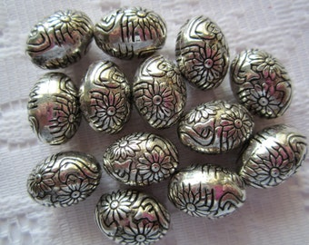 12  Antique Silver Etched Flower Oval Acrylic Beads  14mm x 10mm
