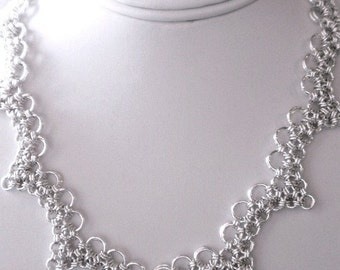 Chain Maille Scalloped Necklace