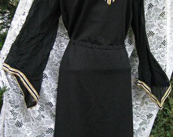 Plus size gown SHEER SLEEVES Gown in Black and Gold plus size 1960s 60s Cocktail Party dress gown, black formal dress, Metallic gold