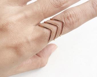 Chevron Midi Rings / Gold Above Knuckle Rings / Set of 2 Midi Ring / gold rings / thin rings / set of 3 stackable midi rings / Bar Rings