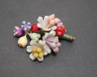 Pretty vintage brooch plastic cluster of flowers