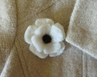 White Wool Remembrance Day Poppy Pin