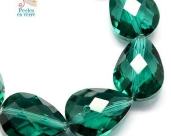 2 large Pearl drops emerald green faceted 13x18mm (pv406)